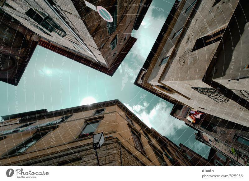 Der Himmel über Siena Ferien & Urlaub & Reisen Stadt Sommer Wolken Haus Fenster Wand Architektur Mauer Gebäude Fassade Tourismus authentisch Italien Bauwerk