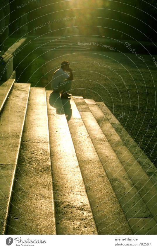 gegenlicht Einsamkeit Erholung Traurigkeit Denken Zusammensein Studium Treppe Student Burg oder Schloss Langeweile Verkehrswege verloren Abenddämmerung Wien