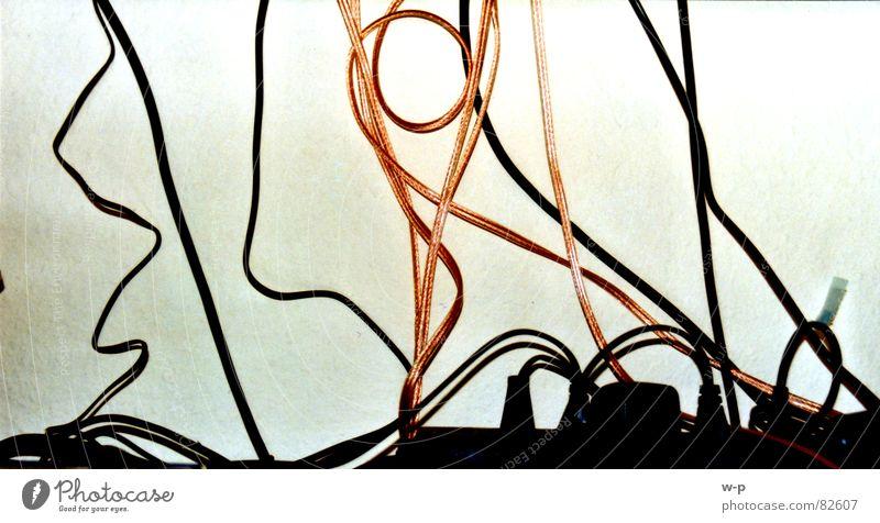 Kabelsalat Energiewirtschaft Elektrizität Fernsehen Verbindung obskur Entertainment Steckdose Hochspannungsleitung kupfer Versorgung
