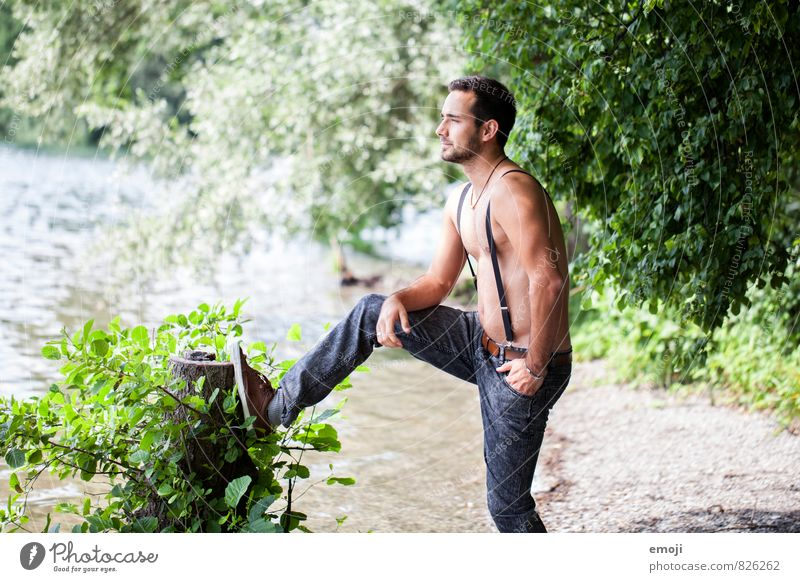 * Mensch Natur Jugendliche schön 18-30 Jahre Junger Mann Umwelt Erwachsene maskulin sportlich Jeanshose muskulös Hosenträger