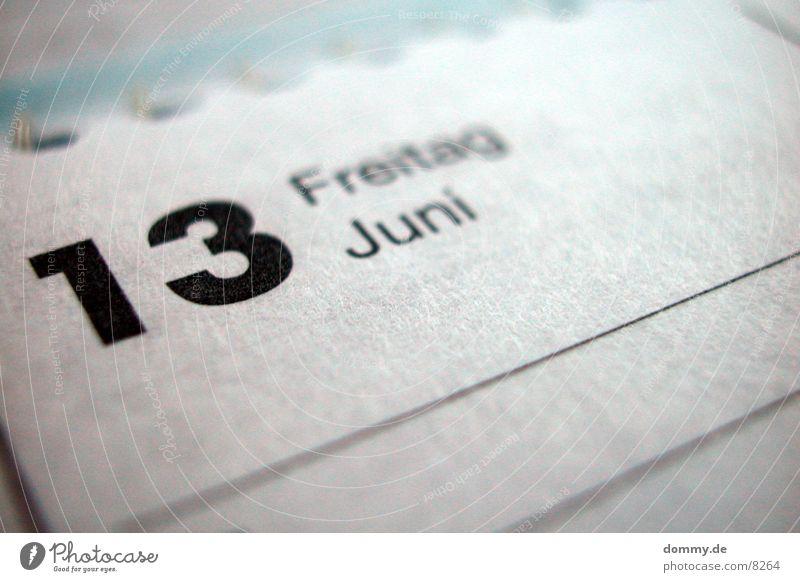 Freitag der 13 Volksglaube gefährlich Makroaufnahme Nahaufnahme dreizahn Kalender