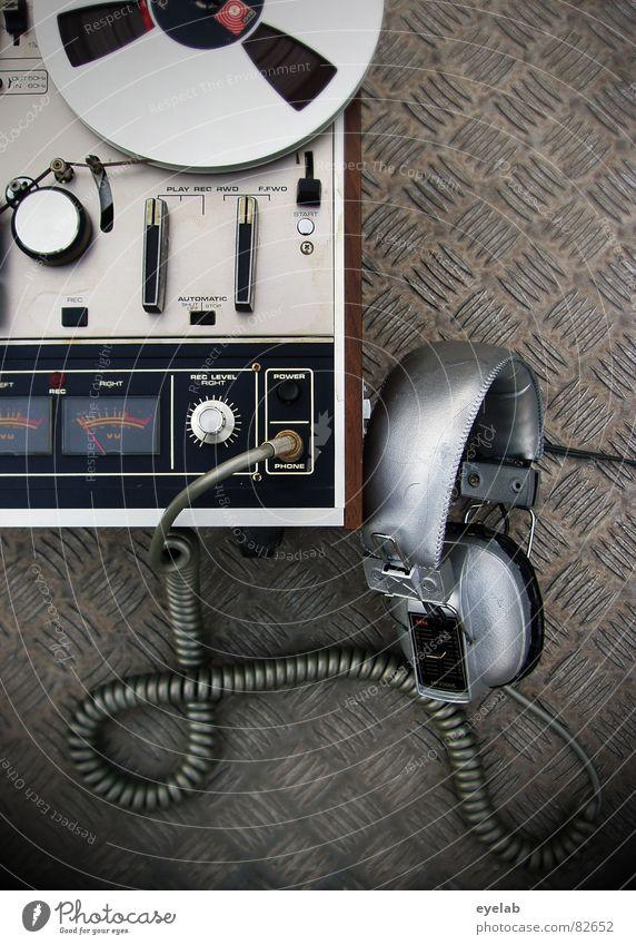 ANNA LOG Zählwerk Tonband Tonbandgerät stoppen Elektrisches Gerät retro stereo mono hören magnetisch analog Klang Kopfhörer Spiralkabel Stecker Klinkenstecker