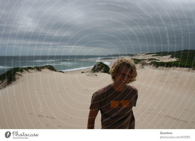 Glücksmoment ... Meer Freude Strand Wolken Sand Wellen Küste mehrere Stranddüne Wohlgefühl Brandung beige bedecken Limonade schlechtes Wetter Sandbank