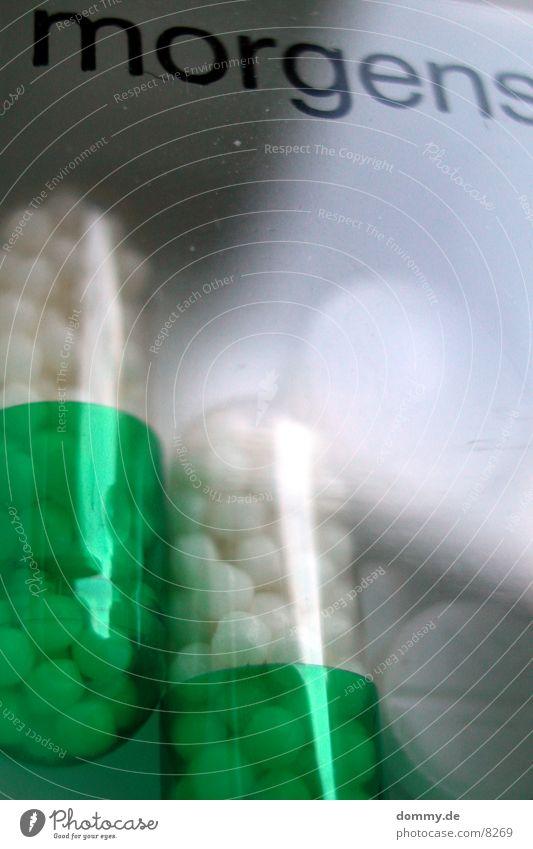 Tabletten morgens grün Gesundheitswesen wichtig