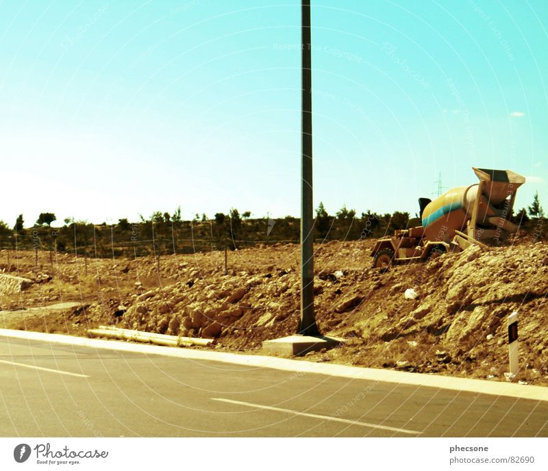 Road Works alt Himmel Sommer Straße Erde Industrie Baustelle Verkehrswege Bauschutt Müll Straßenbau