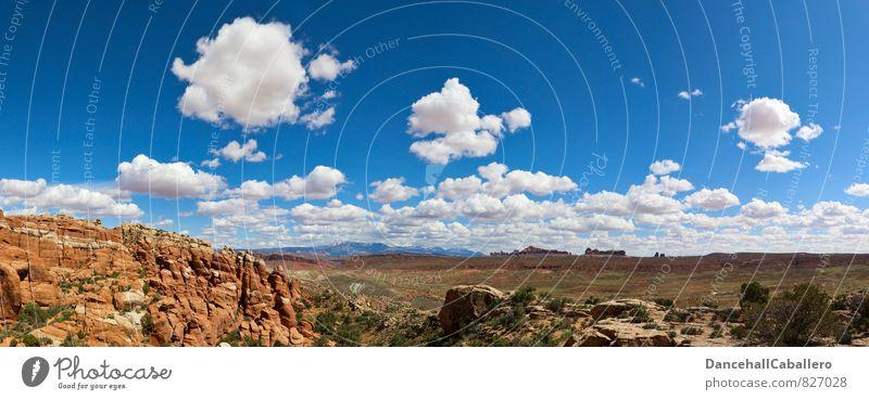 schöne Aussicht Himmel Natur Ferien & Urlaub & Reisen Sommer Landschaft Wolken Ferne Berge u. Gebirge Wärme Gras Freiheit außergewöhnlich Felsen Sträucher
