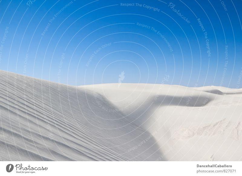 white desert II Natur Ferien & Urlaub & Reisen blau weiß Sommer Landschaft Wärme außergewöhnlich Linie Sand Kunst Horizont Freizeit & Hobby Idylle Tourismus
