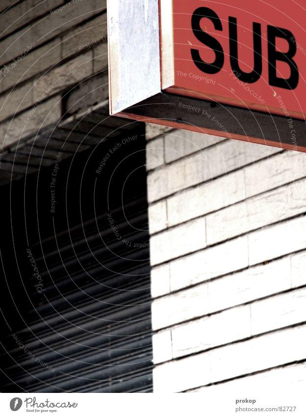 CONSCIOUS Haus Wand Schilder & Markierungen modern Schriftzeichen Buchstaben Fliesen u. Kacheln U-Bahn selbstbewußt Frustration Prima wahrnehmen Jalousie