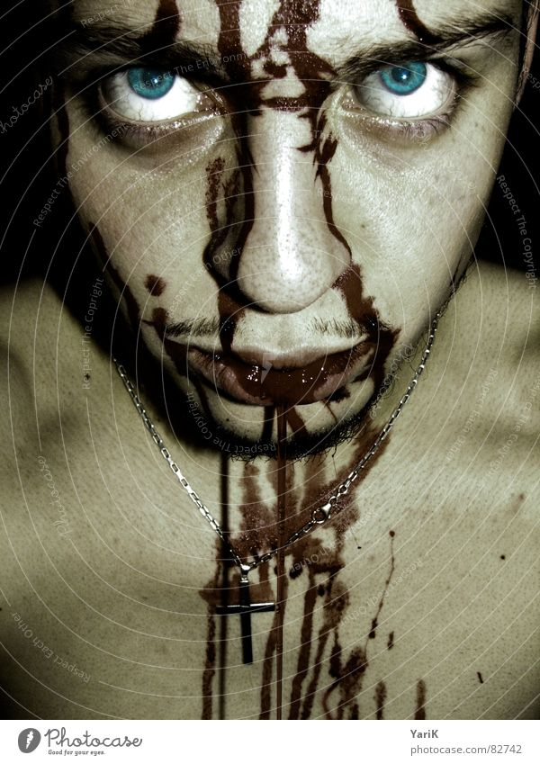 gegessen I Blut spucken Tollwut dunkel grauenvoll böse Pupille Fantasygeschichte gruselig Schock Vampir zyan türkis Monster Teufel brutal hässlich töten Mörder