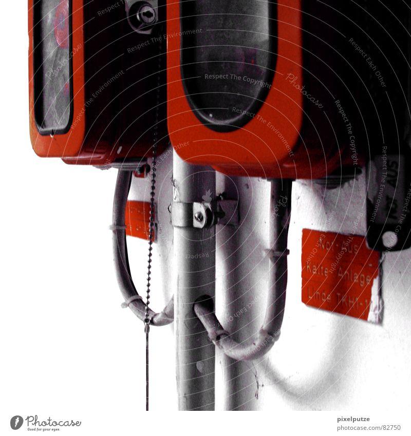 fire water burn rot schwarz Wand grau Angst Glas Brand Schilder & Markierungen Telefon Hilfsbereitschaft gefährlich Kabel bedrohlich Quadrat Verbindung brennen