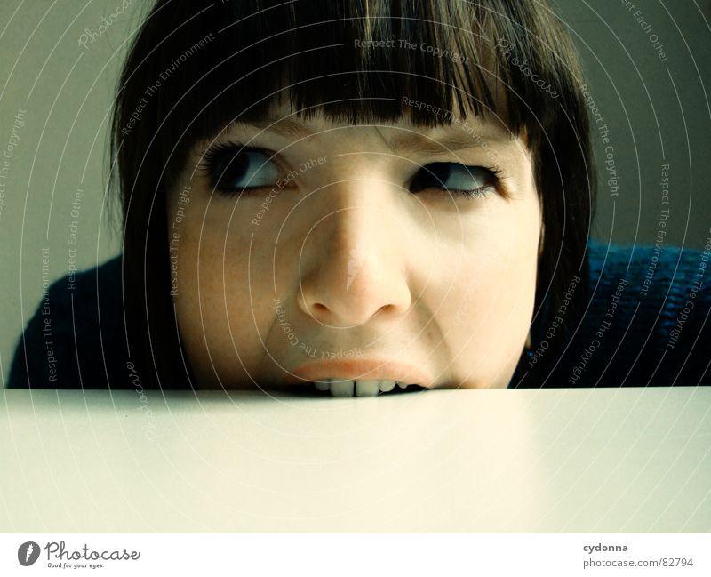Selbstauslöser gefunden! III notleidend Grimasse Unsinn essbar Frau Ernährung skurril widersetzen Wut Gefühle Haare & Frisuren Stil Porträt Auslöser Spielen