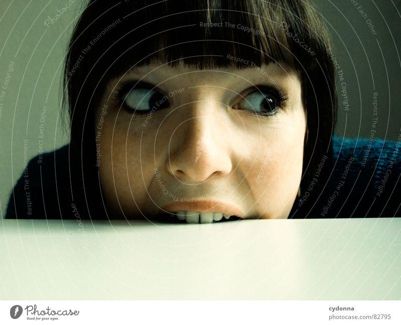 Selbstauslöser gefunden IV notleidend Frau Ernährung skurril widersetzen Wut Gefühle Haare & Frisuren Stil Porträt Auslöser Grimasse Unsinn Spielen Frustration
