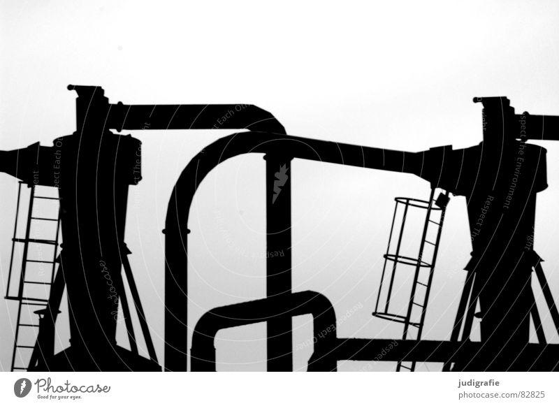 Industrieromantik V Einsamkeit Leben dunkel Tod Traurigkeit Metall Angst Macht trist Fabrik Baustelle Müll verfallen Backstein Umzug (Wohnungswechsel)