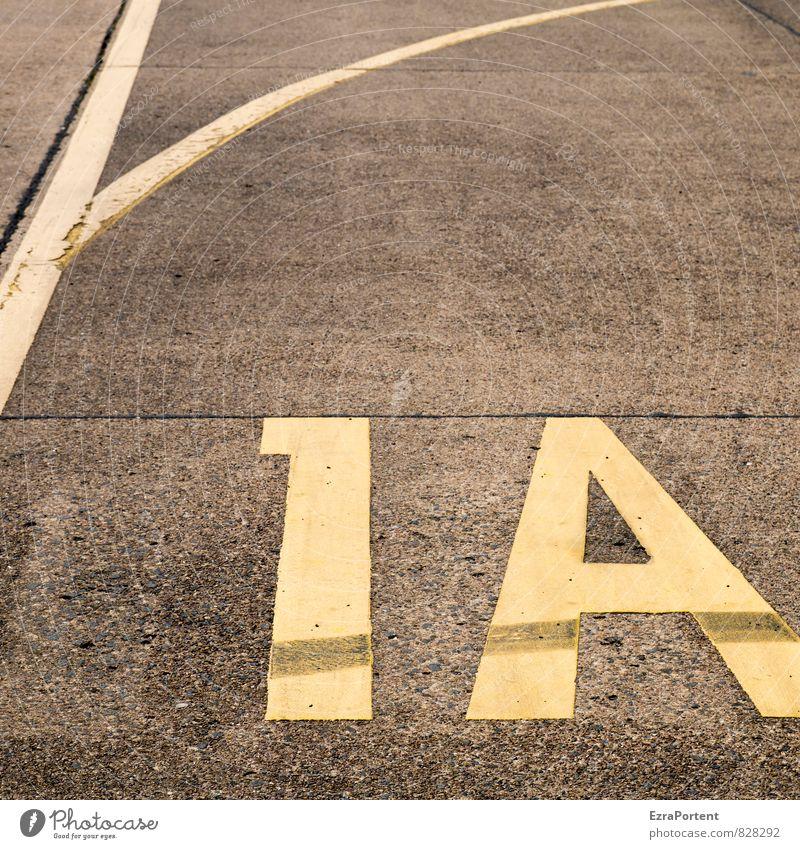 Note! Freizeit & Hobby Tourismus Flughafen Verkehrswege Straße Wege & Pfade Landebahn Zeichen Schriftzeichen Ziffern & Zahlen Schilder & Markierungen dunkel