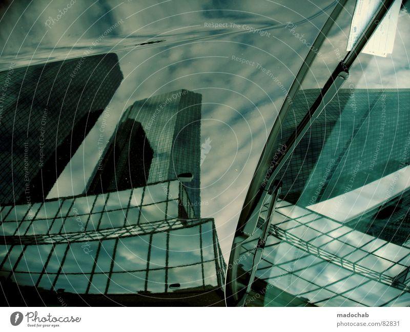 DIE WELT KANN WARTEN wirklich Nebel nass Herbst Haus Hochhaus Gebäude Material Fenster live Block Beton Etage trist dunkel Leidenschaft Spiegel Vermieter Mieter