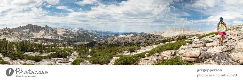 Mensch Frau Wolken Erwachsene Berge u. Gebirge wandern Abenteuer Klettern abgelegen Bergsteigen selbstbewußt Wildnis Tatkraft Führer 30-45 Jahre erobern