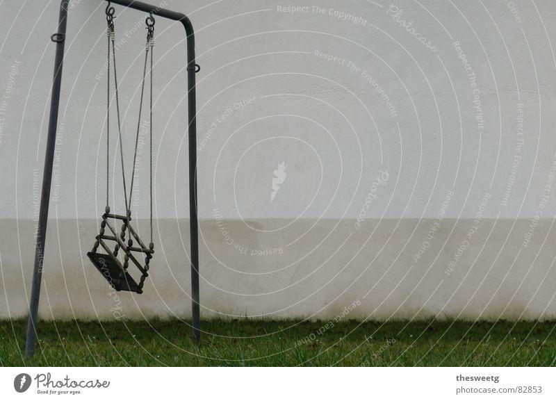 Schaukel Einsamkeit Tod dunkel Spielen Traurigkeit trist Flügel Trauer fahren Spielzeug Schmerz gebrochen schäbig Langeweile Verzweiflung Sorge