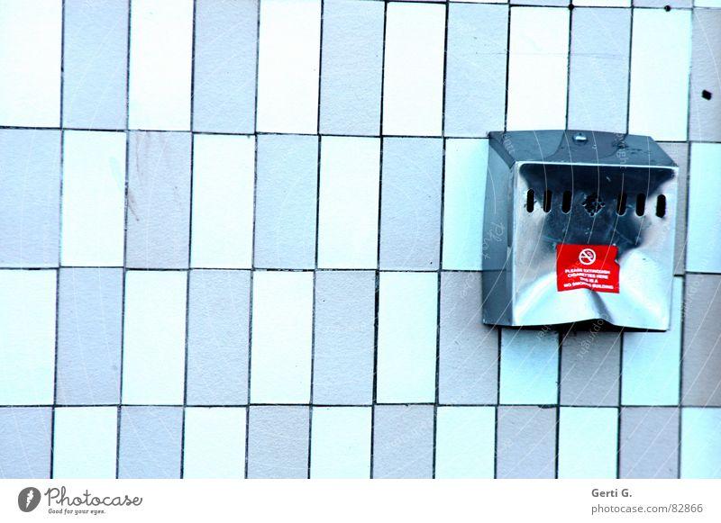 Rauchverbot *dafür blau Schwimmbad Rauchen Gastronomie Fliesen u. Kacheln Rauch Zigarette Geruch Schwäche Behälter u. Gefäße Pastellton Krebs Verbote Imbiss Aschenbecher Verdunstung