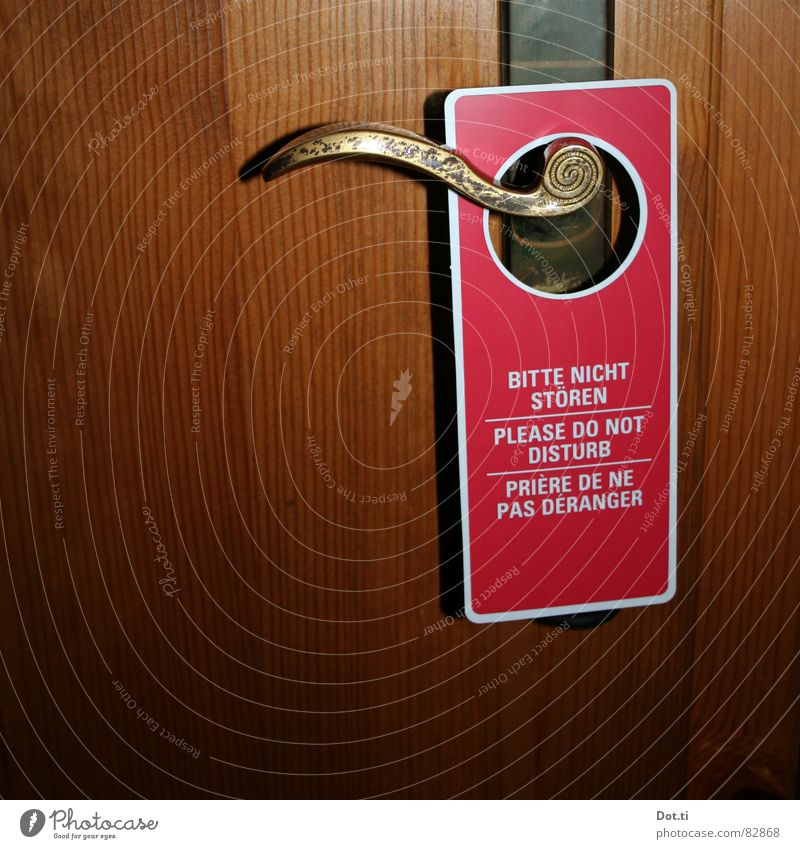 hundertfünfzig MARK?!? Ferien & Urlaub & Reisen rot ruhig Erholung Raum Tür geschlossen Schilder & Markierungen Häusliches Leben Hinweisschild Kommunizieren