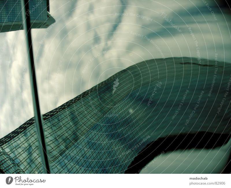 COMPUTERIZED LIQUIDS wirklich Nebel nass Herbst Haus Hochhaus Gebäude Material Fenster live Block Beton Etage trist dunkel Leidenschaft Spiegel Vermieter Mieter