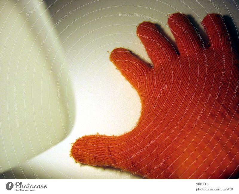 IS TRUTH THE LIGHT? Frau Mensch Hand dunkel Wand Gefühle Lampe hell orange Finger Bekleidung Streifen Dinge Maske geheimnisvoll berühren