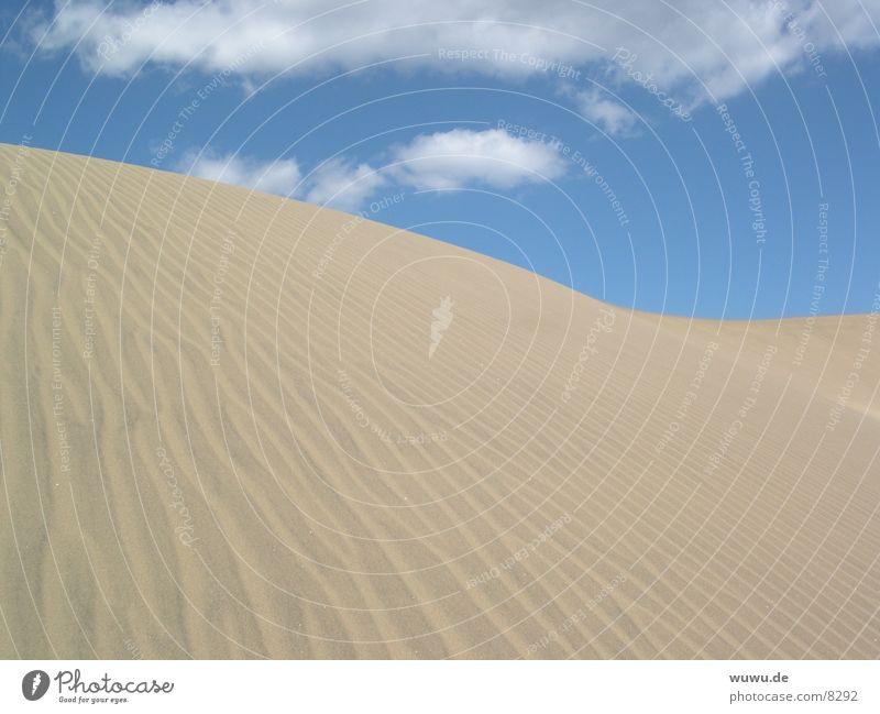 Dune Himmel blau Sand Europa Wüste Spanien Stranddüne Furche beige Kanaren Gran Canaria