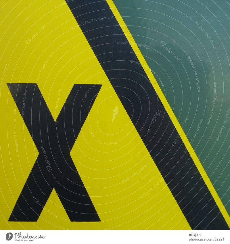NIX TITEL grün schwarz gelb Farbe Wand Metall Rücken 3 Elektrizität Industrie gefährlich Ecke bedrohlich Wut Zeichen Symbole & Metaphern