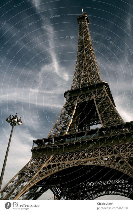 Tragic Street Lamp Paris Himmel Stahl Wahrzeichen Kunst Tourismus Tour d'Eiffel Laterne Denkmal Sehenswürdigkeit