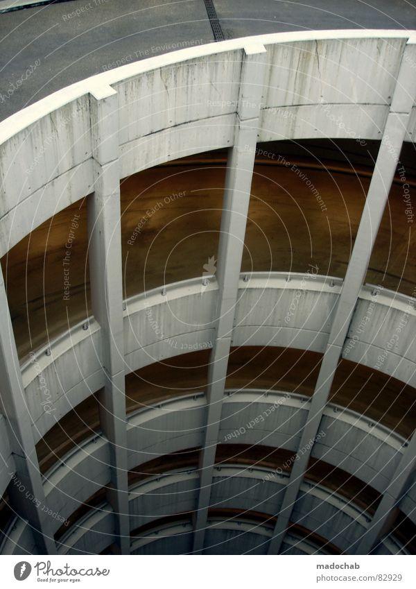 SCHNECKENHAUS-SZENARIO Stadt Straße grau Angst Architektur Beton Verkehr hoch Kreis gefährlich trist Pause rund bedrohlich einfach Sauberkeit