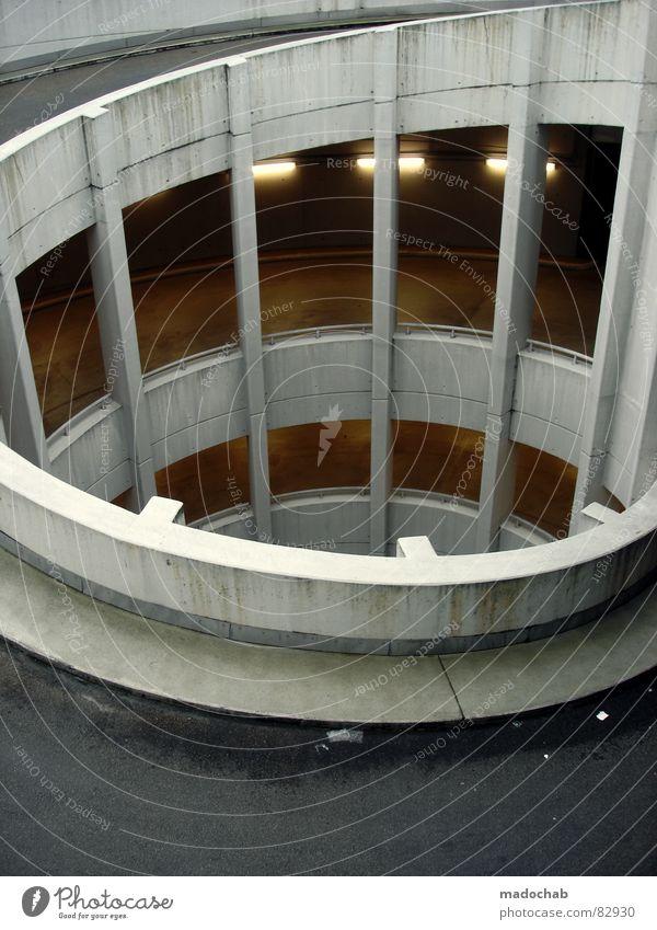 SCHNECKENHAUS-SZENARIO immer Garage Parkhaus Schneckenhaus Spirale Asphalt Verkehr Pause gefährlich schmal Etage Untergrund Stadt London Underground Beton Säule