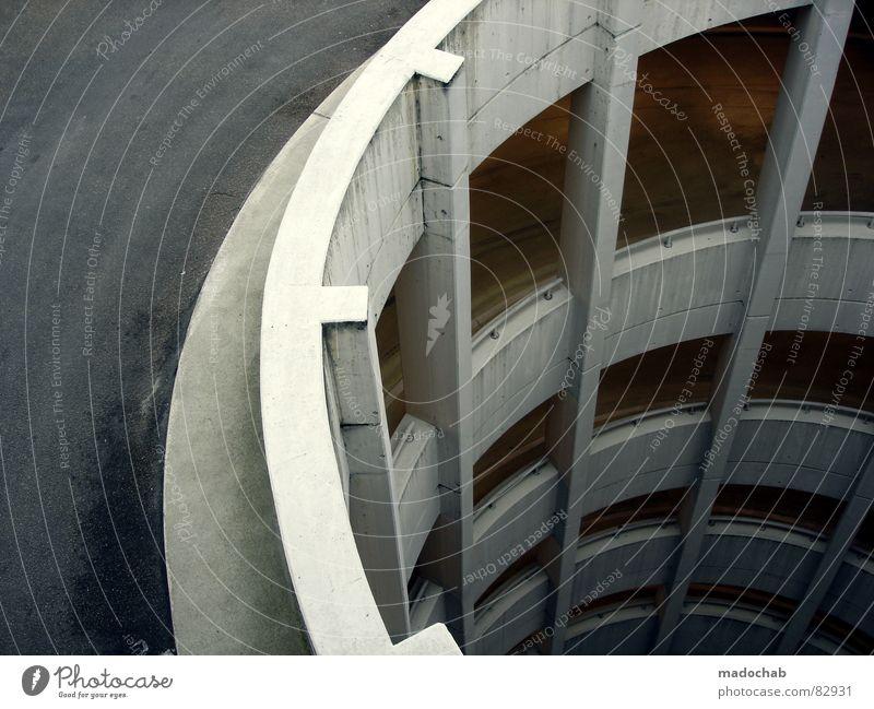 SCHNECKENHAUS-SZENARIO Stadt Straße Architektur grau hoch Beton Verkehr gefährlich Pause trist Kreis bedrohlich rund einfach Sauberkeit Klarheit