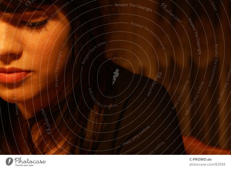 1000 Fragen Porträt Denken Physik Licht Lippen Trauer ernst Jugendliche besinnlich Pubertät Junge Frau Hautfarbe Problematik Schwäche Sorge Teint Wachsamkeit