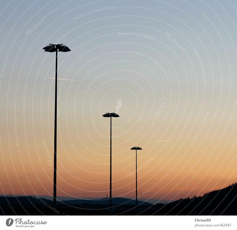 kalter Winterabend Himmel Ferne Farbe Wärme Landschaft Stimmung Beleuchtung Physik Klarheit Laterne Jahreszeiten Regenbogen Staffelung