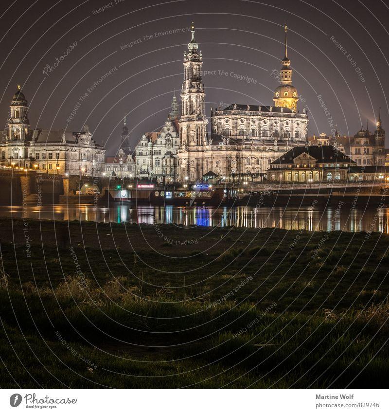 Dresden im Quadrat Sachsen Deutschland Europa Stadt Stadtzentrum Altstadt Sehenswürdigkeit Ferien & Urlaub & Reisen Nacht Beleuchtung Reflexion & Spiegelung