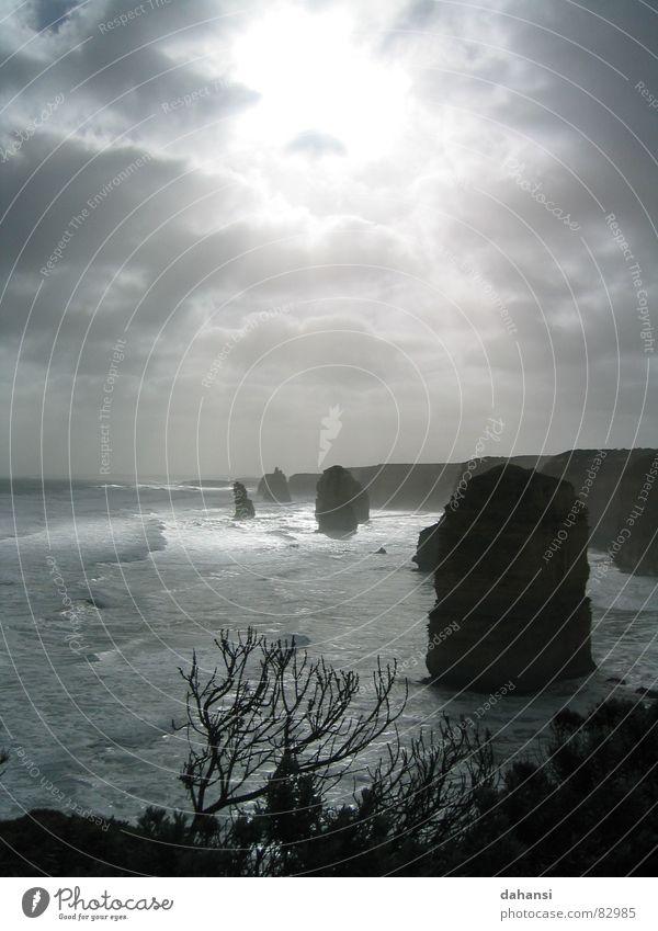 Die 12 Aposteln alt Sonne Meer Strand Freiheit grau Küste Felsen Hoffnung Trauer Australien Klippe demütig Teile u. Stücke Lichtschein