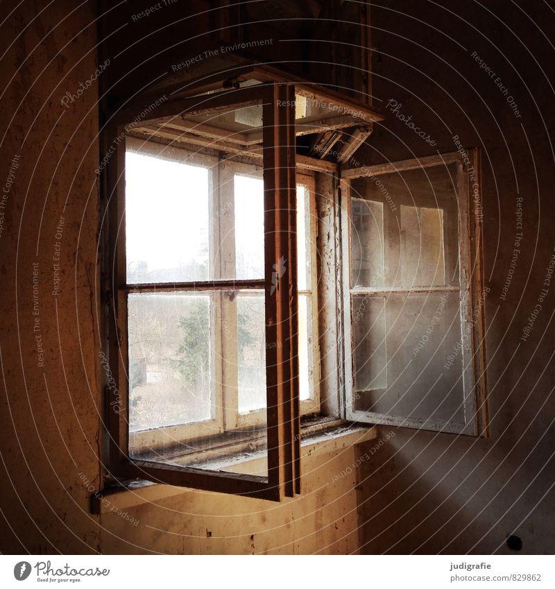 Garnison alt Haus dunkel Fenster Stimmung braun Wandel & Veränderung Vergänglichkeit Vergangenheit Ruine