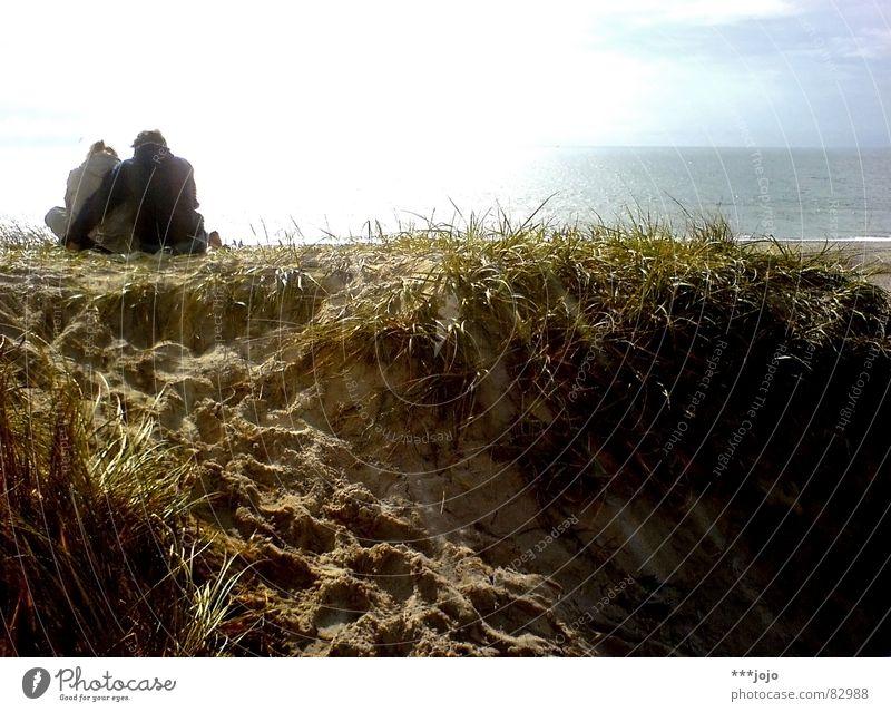 randstromanze Frau Mann schön Himmel Sonne Meer blau Sommer Strand Ferien & Urlaub & Reisen Liebe gelb Gras Glück Paar Sand