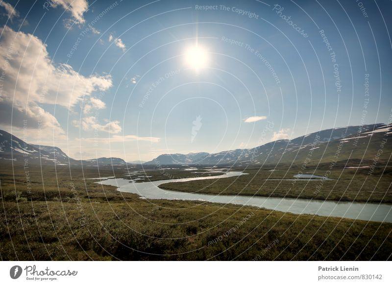 Midnight Sun X Natur Wasser Sommer Sonne Erholung Landschaft ruhig Wolken Ferne Umwelt Berge u. Gebirge Gefühle Freiheit Wetter Luft Zufriedenheit