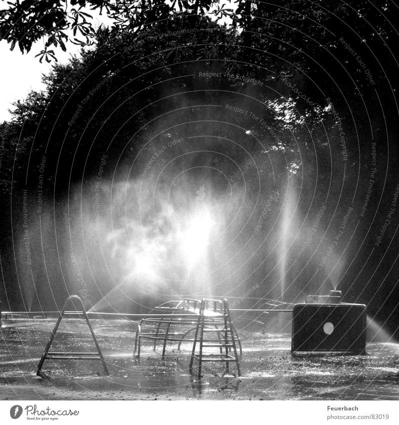Wasserspielplatz_02 Stadt Sommer schwarz kalt Wärme Park Nebel nass Coolness Physik Spielzeug Erfrischung Glätte Pfütze Spielplatz