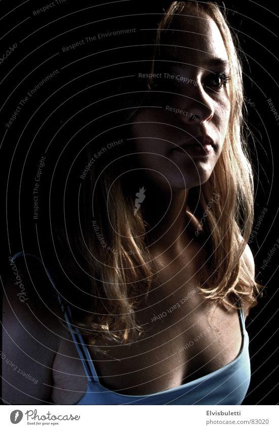 Feel the space... Silhouette Porträt Frau Licht Denken schwarz blond Halbprofil Schatten