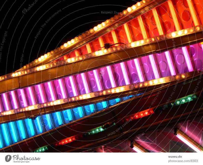 Autoscooter Neonlights blau rot rosa Freizeit & Hobby Jahrmarkt Neonlicht Nacht Auto-Skooter