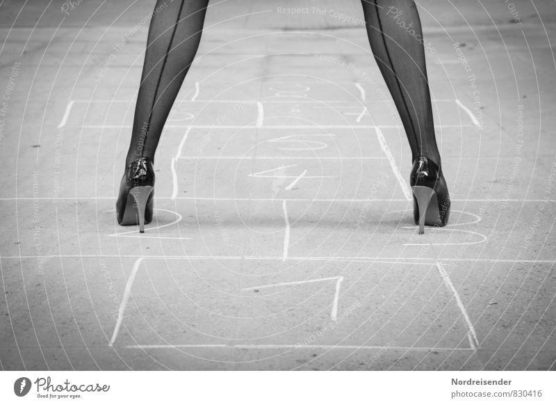 Herausforderung Lifestyle Freude Leben Spielen Kinderspiel Fitness Sport-Training Mensch feminin Beine Wege & Pfade Mode Strümpfe Damenschuhe Ziffern & Zahlen