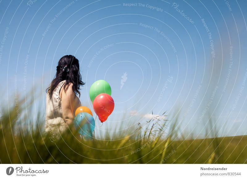 Sommer Sonne Kaktus Mensch Frau Himmel Freude Erwachsene Wiese Gras feminin Lifestyle Glück Zufriedenheit Feld Idylle Fröhlichkeit