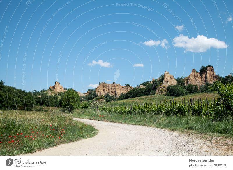 Unterwegs Ferien & Urlaub & Reisen Tourismus Ausflug Sommer wandern Landwirtschaft Forstwirtschaft Natur Landschaft Wolken Schönes Wetter Feld Hügel Felsen