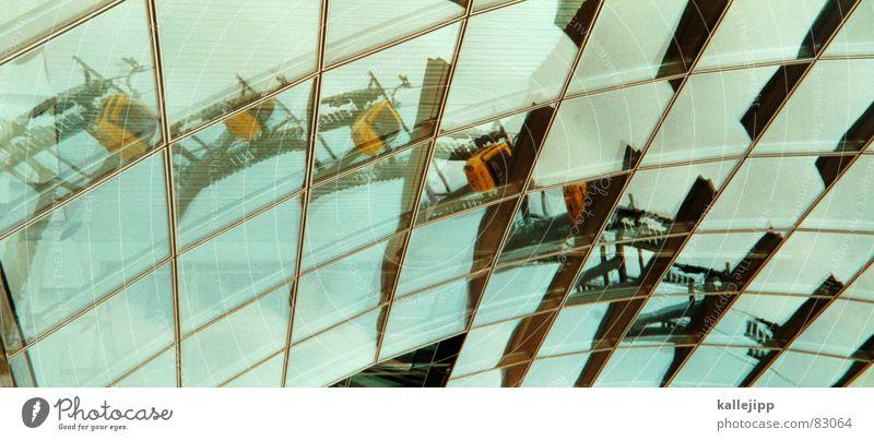 der berg ruft Spiegel Ausstellung Lichtbrechung Spiegelbild Weltausstellung Dach Glasdach Tourismus Tourist Winterurlaub Skifahrer Architektur skigondel