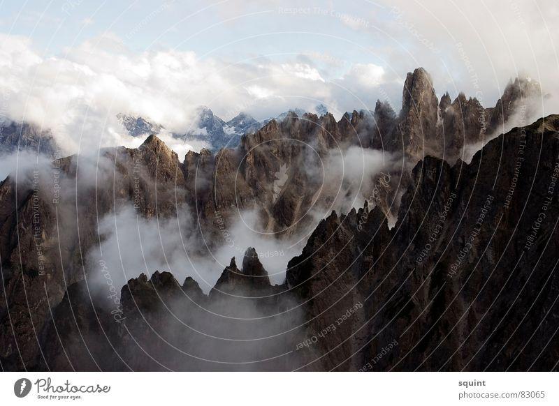 walhal Wolken Berge u. Gebirge Nebel Gipfel aufsteigen Bundesland Tirol Südtirol