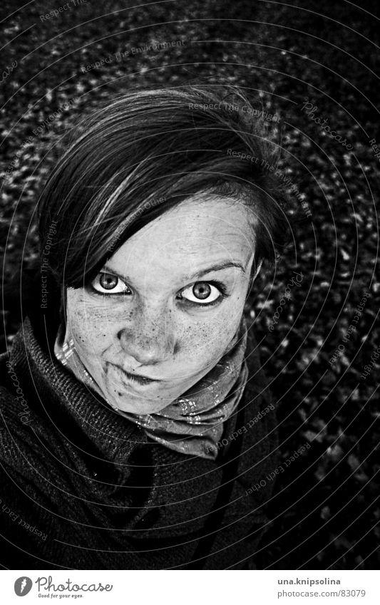 zieh nicht so 'ne schnute! Gesicht Junge Frau Jugendliche Erwachsene Kopf Auge Nase Mund Herbst frech anstrengen ungeheuerlich kulleräugig Herbstbeginn