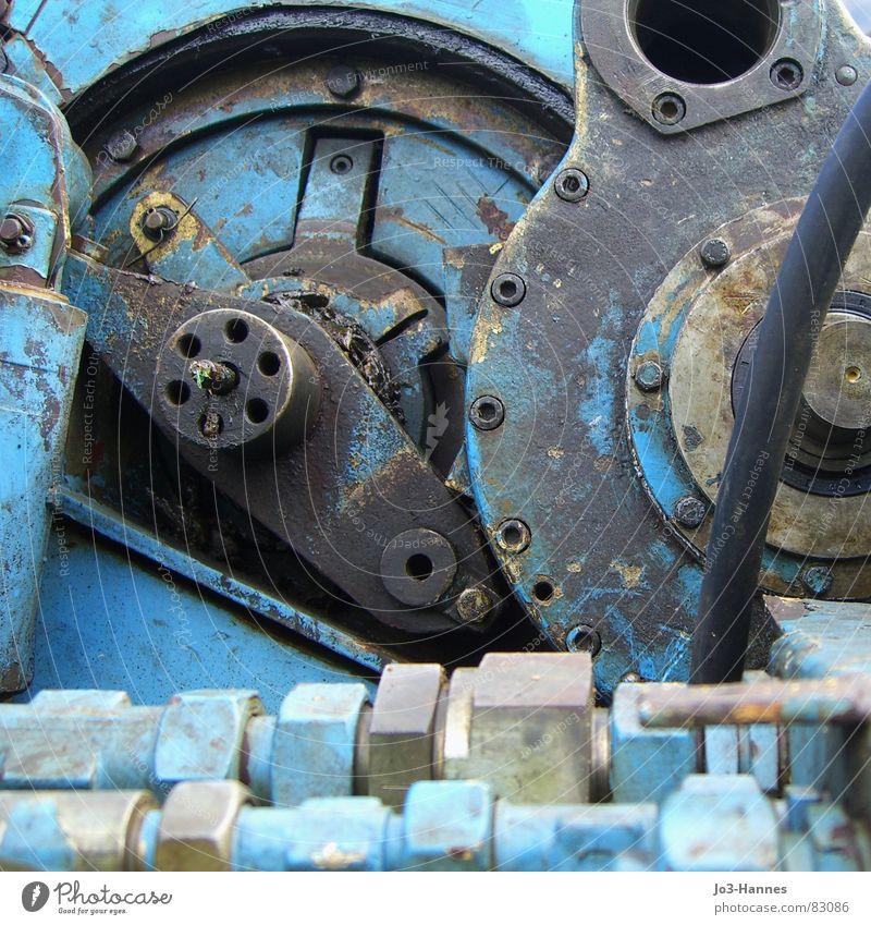 Stärke - abgenutzt. Getriebe unbrauchbar Maschinenbau Rostschutzfarbe Schraubenmutter gebrauchen stur unerschütterlich Müdigkeit grau schwarz Instant-Messaging
