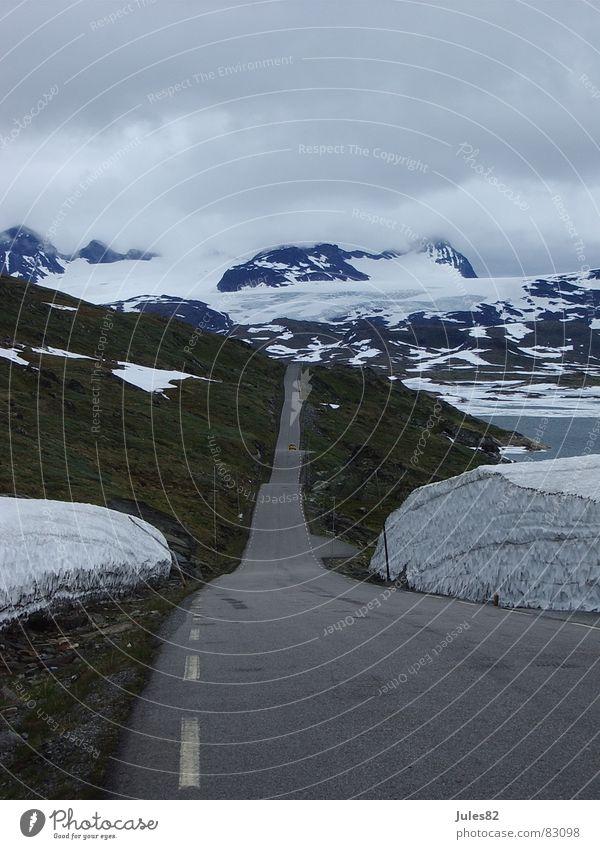 straße ins nichts Sommer Straße Schnee Berge u. Gebirge Eis Asphalt Hügel Norwegen Gletscher Skandinavien Zufahrtsstraße