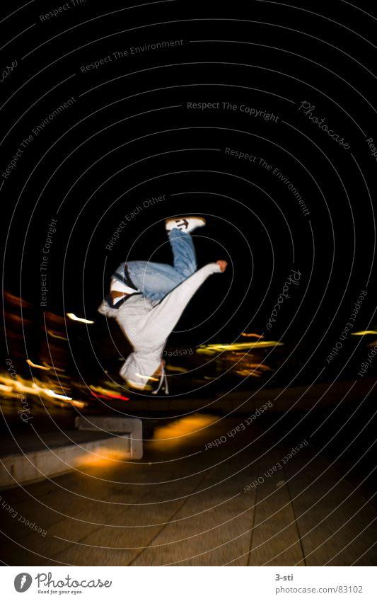 Salto-Ben Rückwärtssalto Kollision Skateboarding Nacht dunkel Freizeit & Hobby Sport Stil Fischauge Weitwinkel Lust Freude Ferien & Urlaub & Reisen Junger Mann